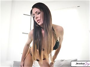 Jessica Jaymes flash you her gigantic breasts and raw muff