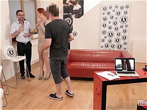 unsheathed casting - redhead Eva Berger splooging casting