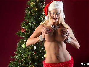 Holiday tease and finger onanism from Nikita