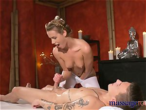 massage rooms nubile workman seduced by Alexis Crystal