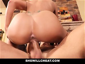 cheating hubby sees Wifes pussy Get wrecked