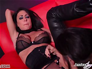 Jessica Jaymes drilled by Alison Tyler using a strapon