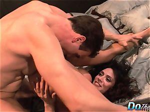 hotwife wife Ariella Ferrara drill guy