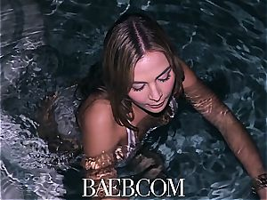 limber hottie Blair Williams nailed by the pool