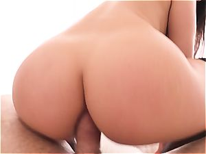 porn superstar Valentina Nappi wide open on wood
