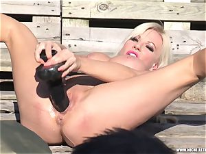 blondie bi-atch jerks with fat toy peeing and face sitting