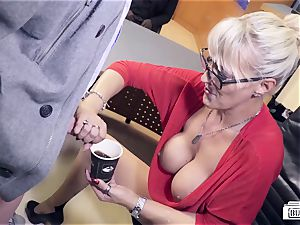 donks BUERO - milf Lana Vegas in bi-racial office fuck-a-thon