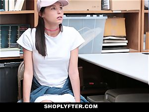 Shoplyfter - nubile fucks Cop To Get Out Of grief