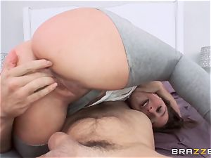 Abella Danger likes a smash to forgive