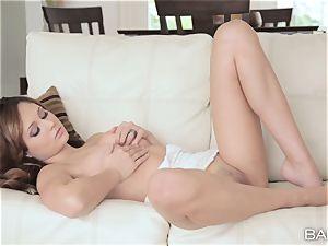 uber-cute Ariana Marie has sweet puss fun