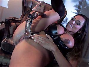 Ariella Ferrera pulverizes herself with a huge glass fucktoy