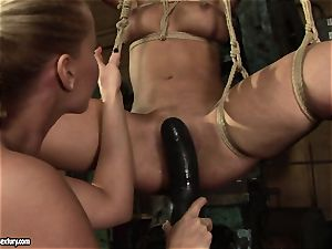 Kathia Nobili love pummeling the hot chick with dildo