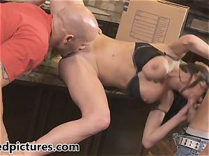 Veronica Avluv gets her revenge with a torrid three-way