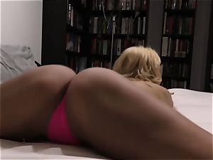 small jugged cougar point of view ravage - Aaliyah love