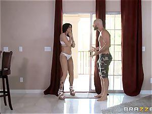 Romi Rain joins Kissa Sins to penetrate her stud